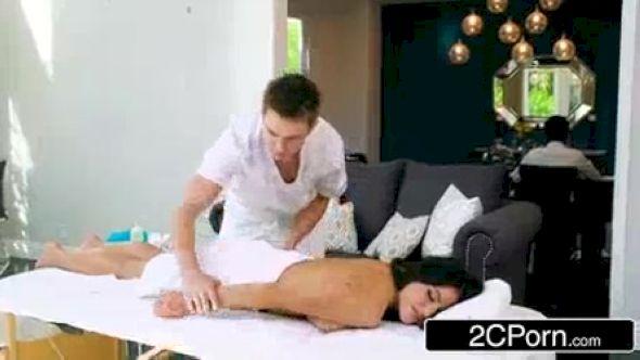 Plan cam sexe : comment prendre du plaisir derrière sa webcam ?